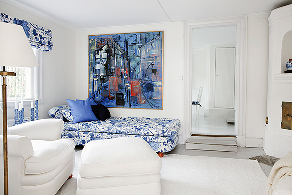 This awesome Swedish home has a beautiful colour palette: white and blue,  in addition to wooden texture it creates an awesome combination. The  interior is ...