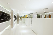 ONE2FREE_Flagship_Store_In_Hong_Kong_Curiosity_afflante_0