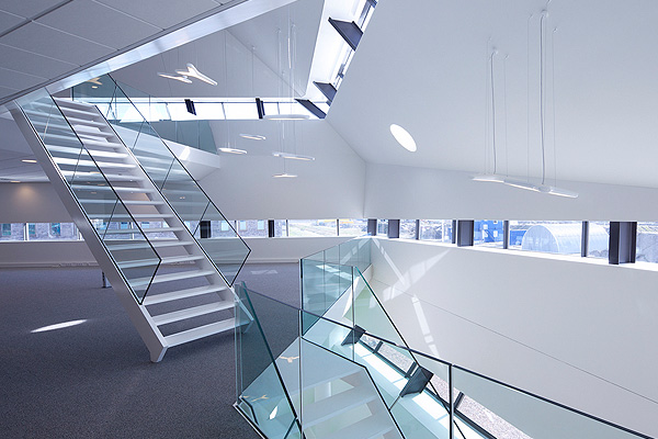 Decos_Office_in_Noordwijk_The_Netherlands_Inbo_Archtiects_afflante_com_0