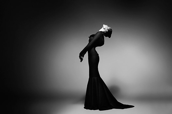 Elegant_Feminity_in_Dark_Glow_Fashion_Collection_Heidi_Paula_afflante_com_0
