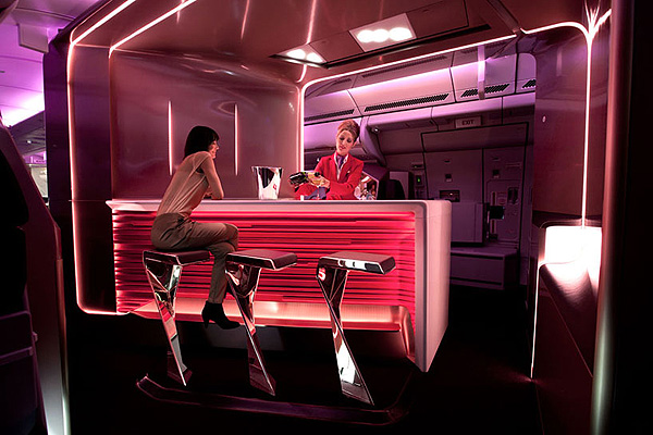 Virgin_Atlantic_Airways_Upper_Class_Bar_and_Cabin_VW_plus_BS_studio_afflante_com_0