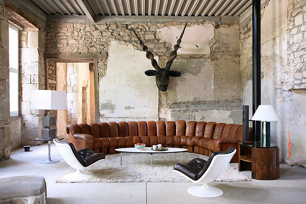 Interior Of The House Combines Punk And Classics, Thus Creating Amazing  Atmosphere, Inspiring And Stylish. Part 57