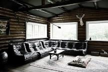 Danish_Forest_House_Stine_and_Henry_afflante_com_0