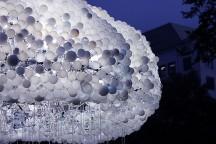 6000_Light-bulbs_Cloud_Installation_Caitlind_Brown_afflante_com_0