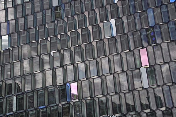 Harpa_Reykjavik_Concert_Hall_Olafur_Eliasson_and_Henning_Larsen_Architects_afflante_com_0