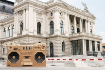 Eye-Catching_Ghettoblaster_in_Zurich_Draftfcb_Lowe_Group_afflante_com_0