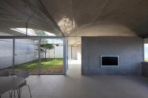Minimalist_Sunami_House_Kazunori_Fujimoto_Architect_Associates_afflante_com_0