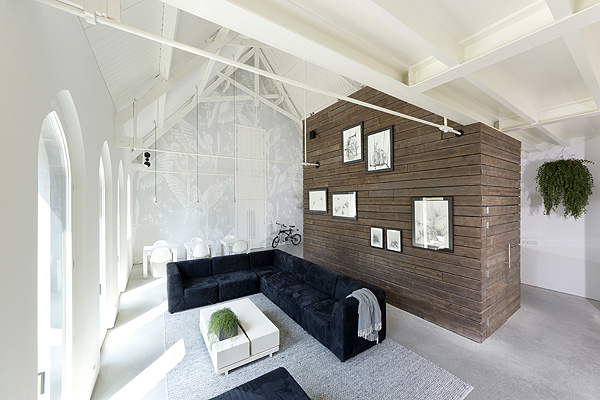 God_Loft_Church_Conversion_LKSVDD_Architects_afflante_com_0