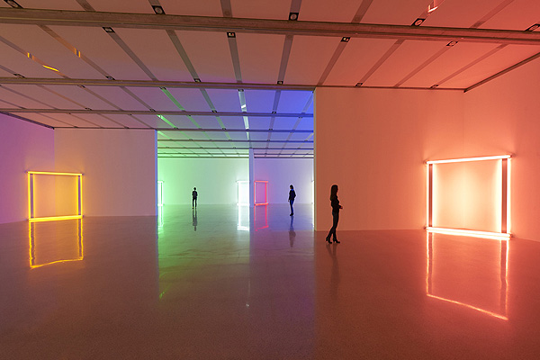 Light_Exhibition_Dan_Flavin_Mumok_Wien_afflante_com_0
