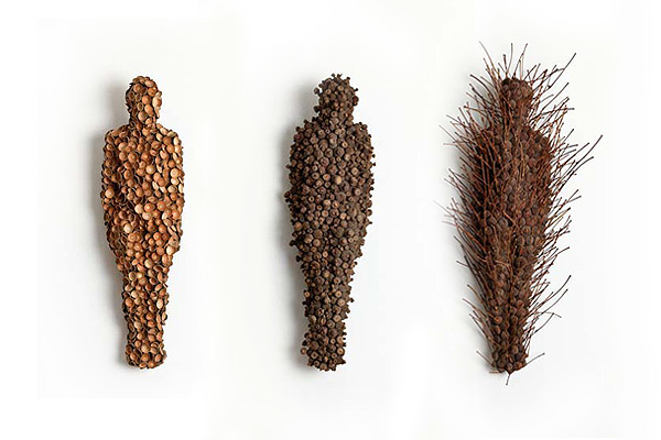 Anna_Gillespie_Figurative_Sculptures_Made_Of_Acorns_Beechnut_Casings_bronze_afflante_com_0_0