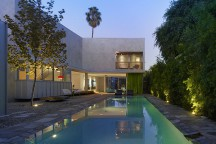 Norwich_Drive_Residence_Clive_Wilkinson_Architects_afflante_com_0