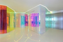 Spectral_Effects_in_Contemporary_Apartment_H_Re-Act_Now_afflante_com_0